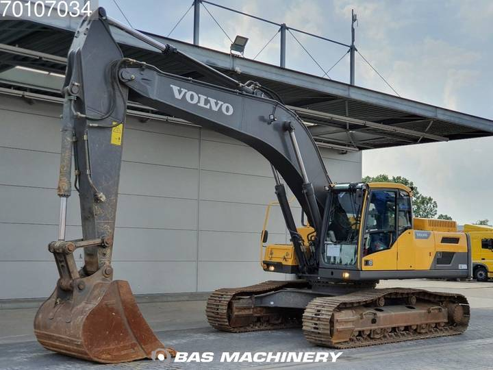 Volvo EC300 D L LOW HOURS perfect condition - 2016