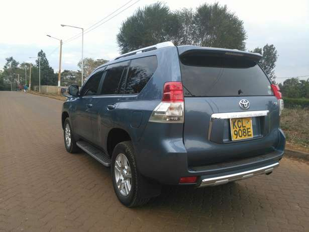 Toyota prado TZ 2011 with sunroof Ridgeways - image 2