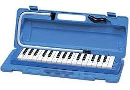 Melodica music instrument. 32 keys with hard case. High grade Swan