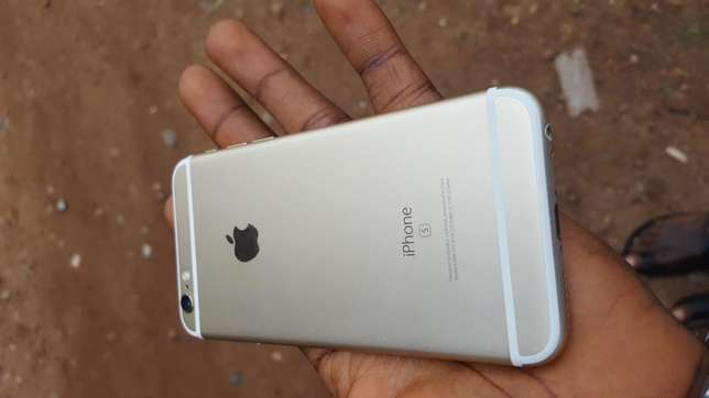 Mint 16gb gold UK used iPhone 6s for sale for low price Ibadan Central - image 5