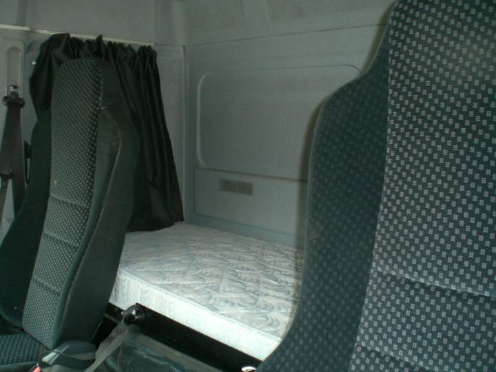 Mercedes-Benz 822 Atego Standklima - 2011 - image 10