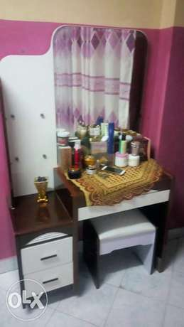 Bed ( 5 by 6) and dressing set for sell Mombasa Island - image 2