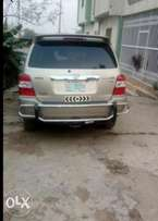 Very clean 3 row seater Toyota Highlander with Hybrid Fuel system