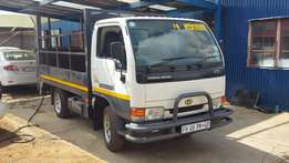 Nissan UD cabstar truck