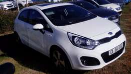 2014 Kia Rio Hatch, 1.4 TEC, White, Sunroof, 71 000kms, Call NOW!!!