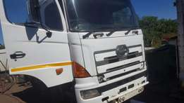 Hino 700 stripping for spares