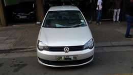 2011 model Vw polo vivo 1.4 sedan silver in color 91000km