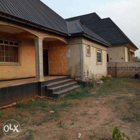 A 5bedroom bungalow,with pop on a 50ft by 100ft for sale Moudi - image 5