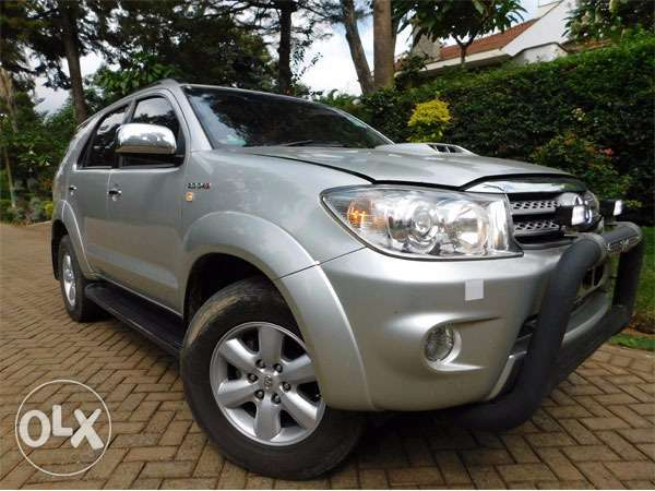 mint condition toyota fortuners Gigiri - image 2