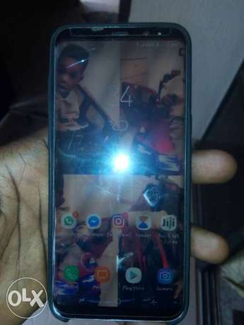 Samsung galaxy s8plus with a little crack Egor - image 2