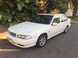 1997 VOLVO S70,2.5,20 Valve,automatic,one owner,like new,BARGAIN