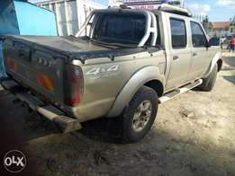 Nissan hard body double cab local 20006