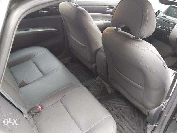 Toyota Prius Full Options in Excellent condition Lagos Mainland - image 7
