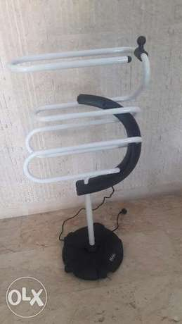 Clothes heater Delonghi -Manchar Kahraba
