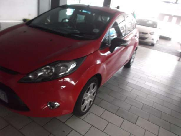 Pre Owned 2012 Ford Fiesta 1.6 Johannesburg - image 3