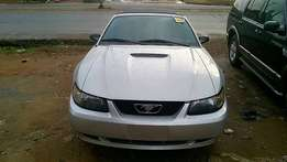 Tokunbo Ford Mustang (2003) convertible roof