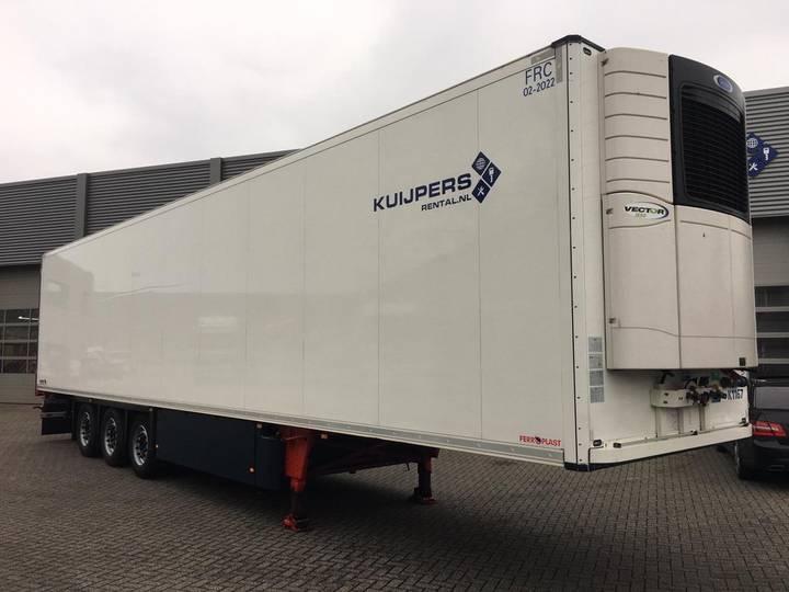Schmitz Cargobull Frigotrailer / 3 Axle / Carrier Vector 1550 / Lift-axle - 2016