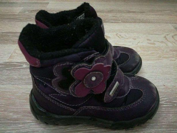Чобітки для дівчинки осінь зима  90 грн. - Дитяче взуття Долина на Olx 8ea4ba9552bd6
