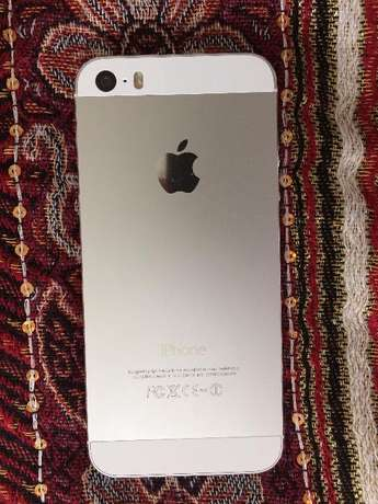 iPHONE 5S 16Gb,WiFi, in PRISTINE CONDITION, Original Box and Charger Pinetown - image 4