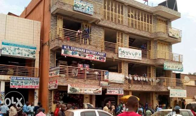 Deal. Kampala, a building for sale in the middle of the city at 2.7m$ Kampala - image 1