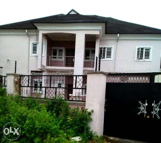 Modern Twin 5 Bedroom Duplexes in Uyo Uyo - image 1