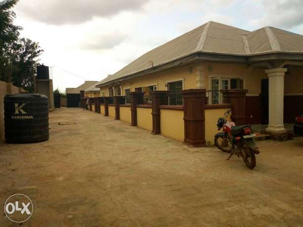 2 units of 2 bedroom flat and 2 units of a room and parlour for sale Akure South - image 3