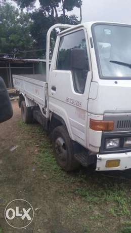 Toyota Dyna 150 six tyre for sale Osogbo - image 2