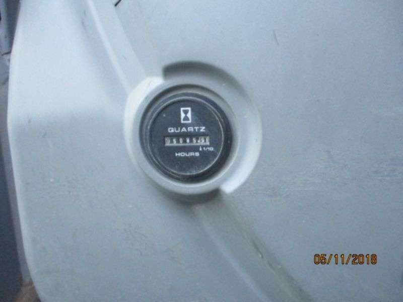 New Holland E 245 B - 2007 - image 10