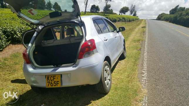 Very clean Toyota Vitz for sale Sigona - image 6