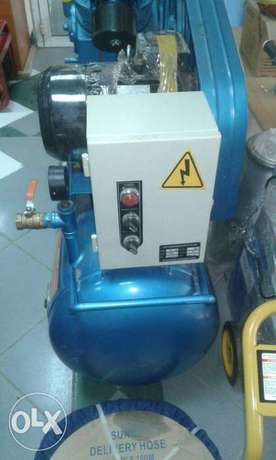 Air compressors(Both petrol engine and electric powered) Kitengela - image 3