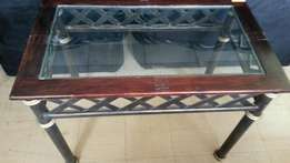 FOR SALE : Glass Top Table