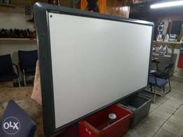 Promethean active board and projector