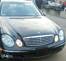 Benz E320 toks sharp and clean, no single dent or scratch on it...