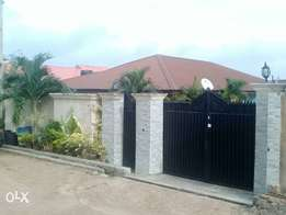 Standalone 4 bedrooms bungalow for rent close to commodore,elebu