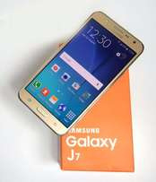 3 months old Samsung galaxy j7 for sale