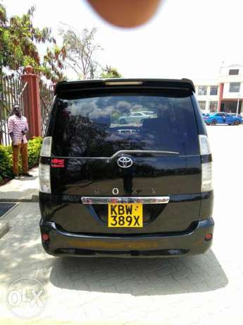 Very Clean Toyota Voxy KBW for sale Gatwikira - image 5