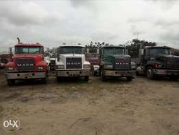 Foreign used Mack truck heads for sale