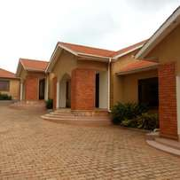 executive luxurious two bedroom house for rent in kisasi at 700k