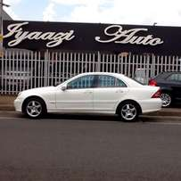 Mercedes Benz C180k AUTO Avantgarde - FSH - Extremely Well Kept