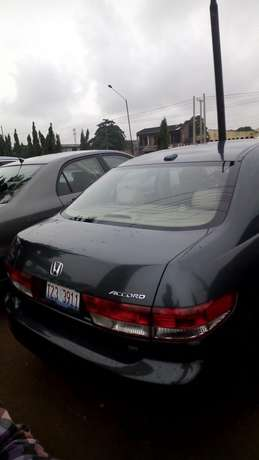 Clean leather seat tokunbo EOD 2004 Lagos Mainland - image 1