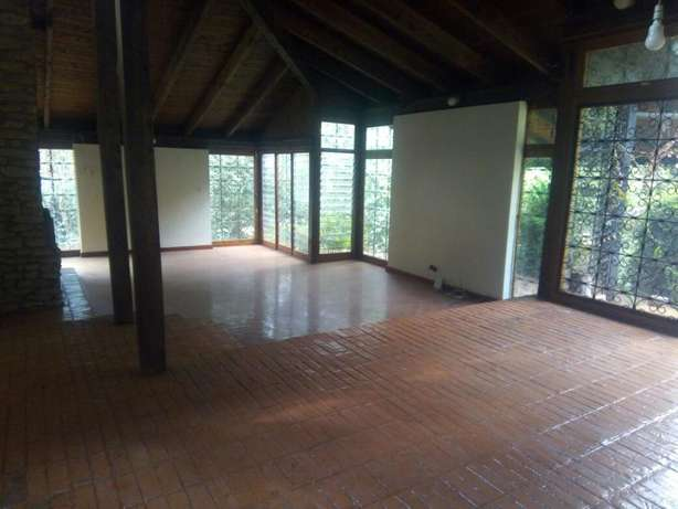 4 bedrooms bungalow to lett in lakeview. Westlands - image 1