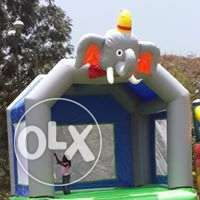 on offer bouncing castles,trampoline,clown and face pianting