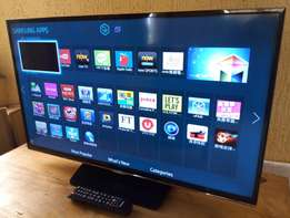 "STILL NEW 32"" UHD LED SAMSUNG smart TV with 3D, Wi-Fi, YouTube,etc"