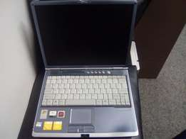 SIEMENS 40GB Harddrive 2GB Ram Laptop with Graphics Card