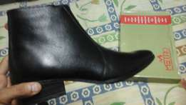 Metro ankle boots
