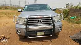 Super clean n sharp 2009 Toyota Tundra