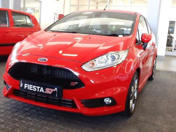 2016 ford fiesta 1.6st eco-boost - demo with 39km Goodwood - image 1