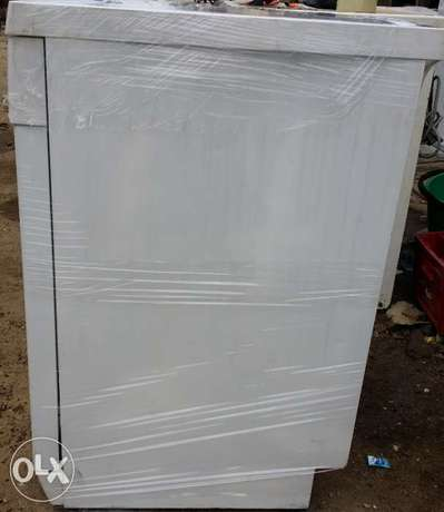 BOSCH Dish Washer (wash, rinse & Dry + payment on DELIVERY) Lagos Mainland - image 7