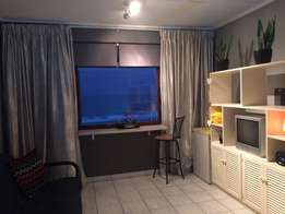 Bachelor Flat to rent in Amanzimtoti with stunning seaview!