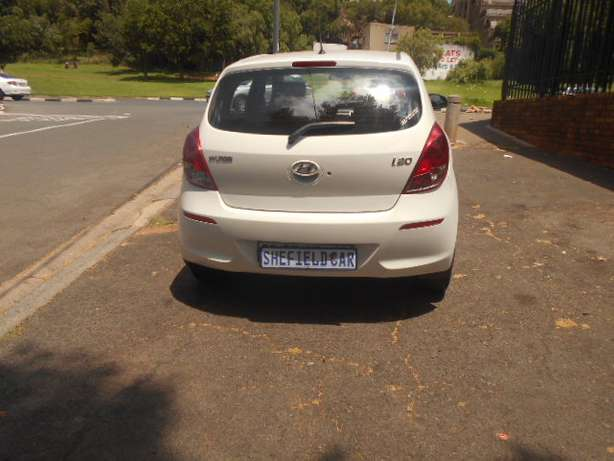 Immaculate condition 2013 Hyundai i20 1.4 Hatchback for sale Johannesburg - image 4
